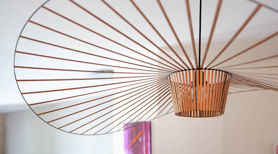 Petit Friture lamp boven de eettafel